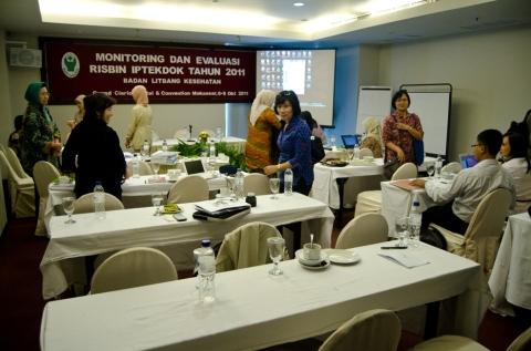 suasana ruang seminar presentasi